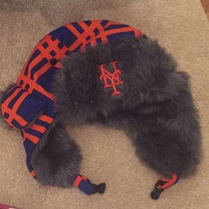 NEW YORK METS FAN FURRY WINTER BEANIE HAT